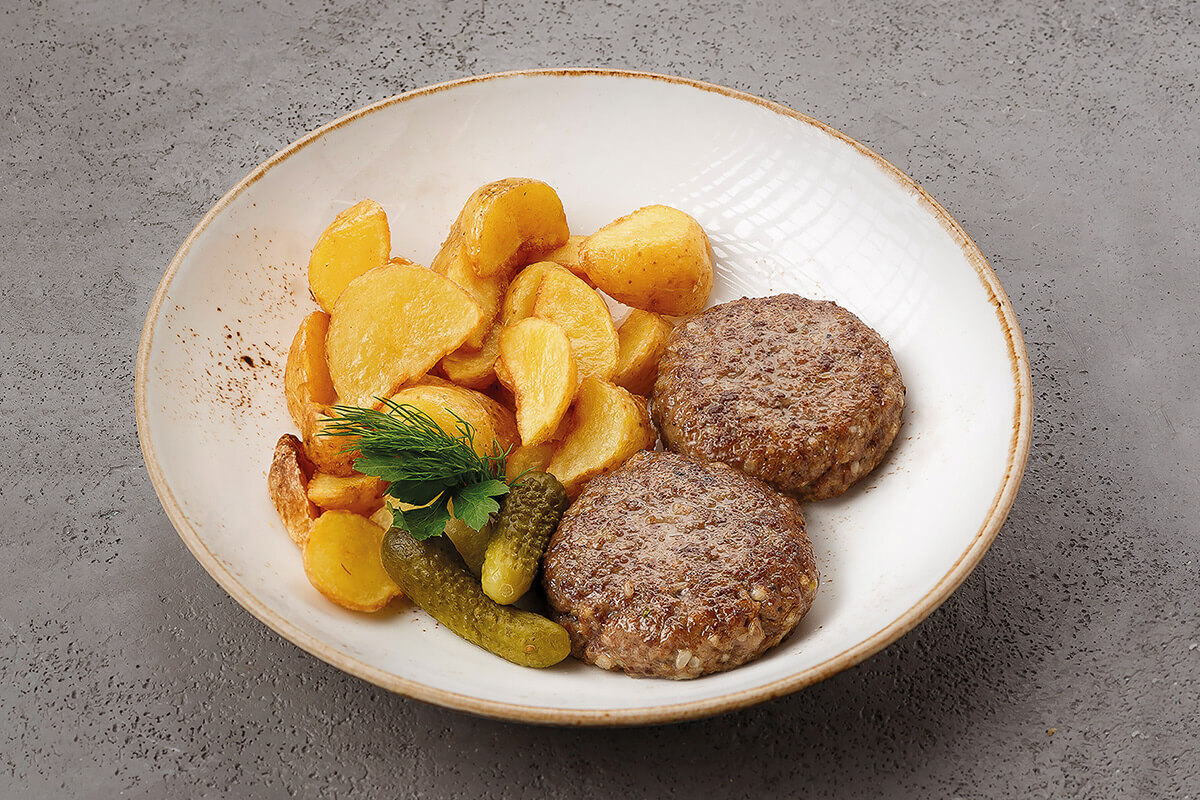 Мясные котлеты с картофелем айдахо